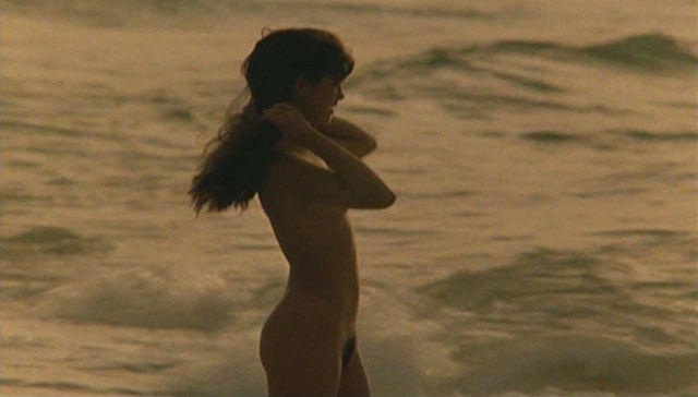 celebritie Phoebe Cates 22 years Without swimsuit foto in public