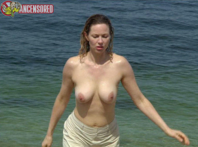 actress Nahanni Johnstone 22 years in the buff photoshoot beach