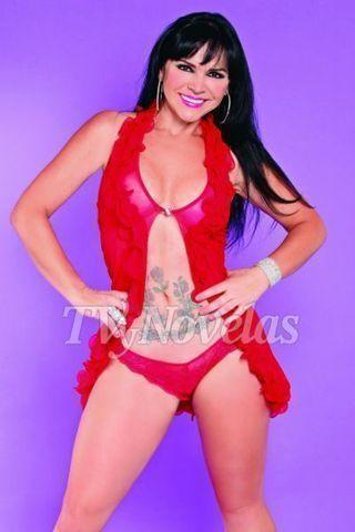 celebritie Sandra Montoya 24 years tits picture beach