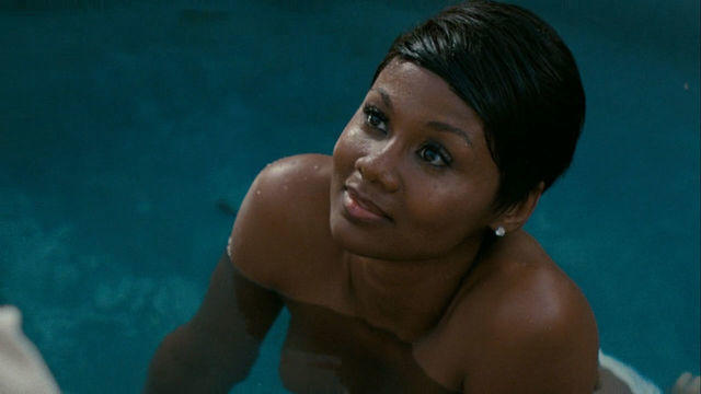 Sexy Emayatzy E. Corinealdi foto High Definition