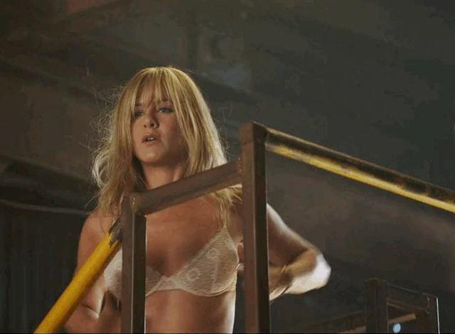 models Jennifer Aniston 20 years Without bra snapshot in public