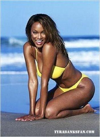 models Tyra Banks 24 years in the altogether photography in public