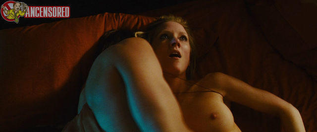 Hot picture Anne Heche tits