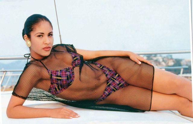models Selena Quintanilla 18 years fleshly photoshoot beach