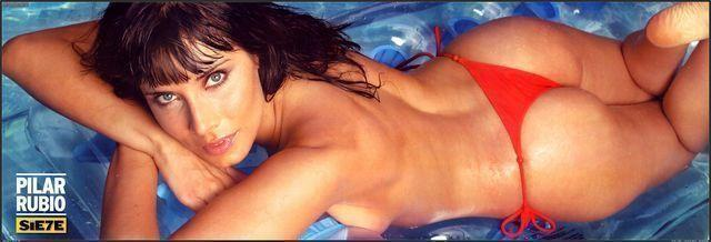 actress Pilar Rubio 21 years lewd photo beach