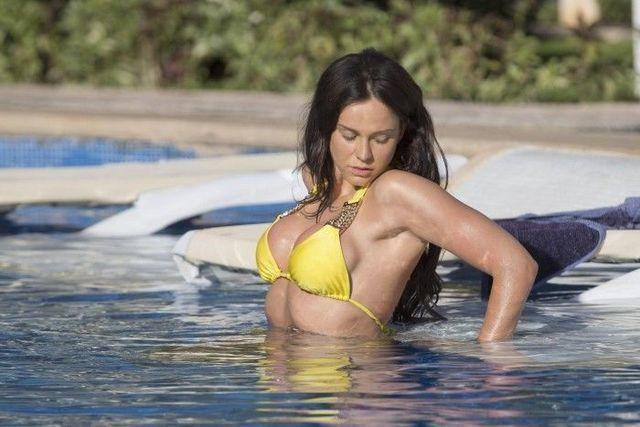 actress Vicky Pattison 21 years swimming suit art in the club