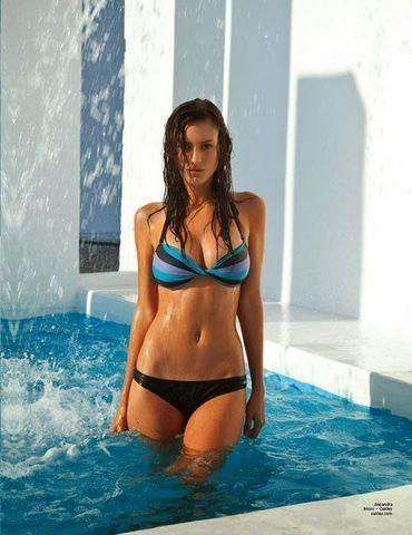 celebritie Alejandra Guilmant 2015 risqué photo in public
