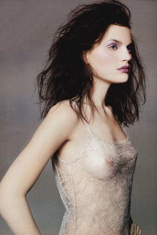 actress Guinevere Van Seenus 21 years stolen photoshoot in the club