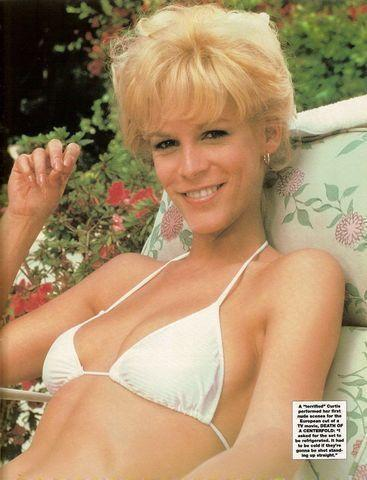 models Jamie Lee Curtis 19 years disclosed pics in public