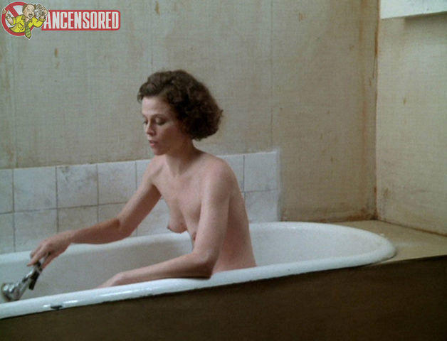 models Sigourney Weaver 25 years Without swimsuit photo in the club