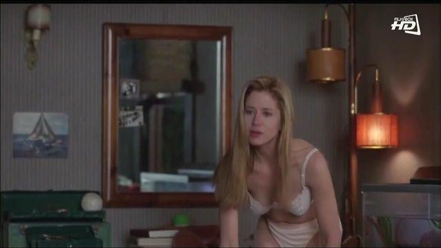 celebritie Mira Sorvino 20 years unclothed picture home