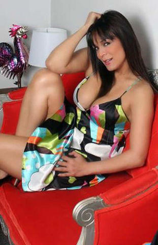 models Brenda Bezares 21 years libidinous picture in the club