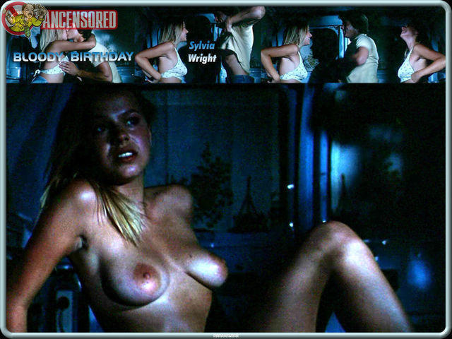 models Sylvia Wright 22 years stripped photo in the club
