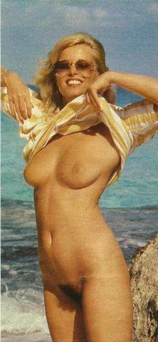 models Lindy Benson 22 years provoking photoshoot beach
