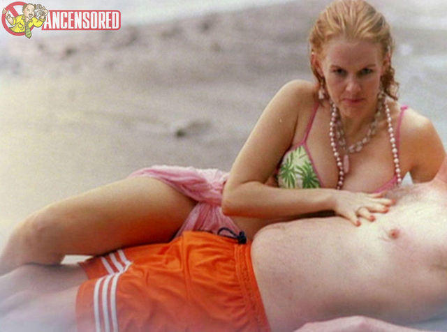 actress Penelope Ann Miller 22 years titties photo home