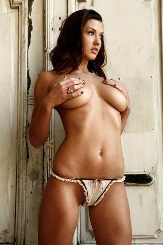 celebritie Alice Goodwin 18 years bare-skinned photography beach