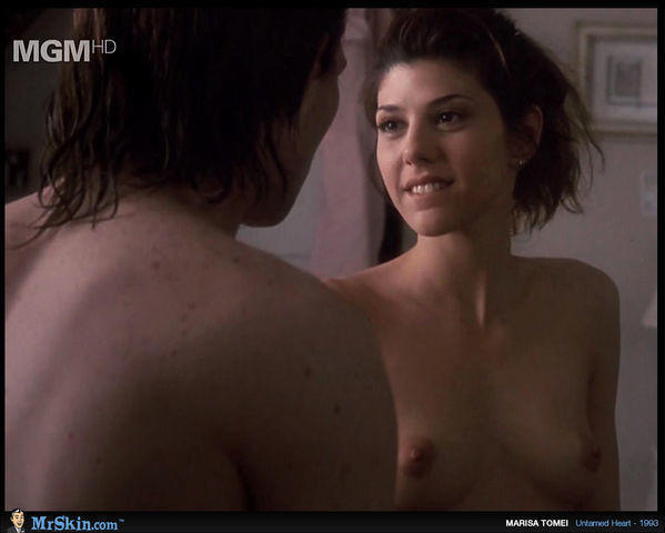 celebritie Marisa Tomei 19 years bawdy foto in the club