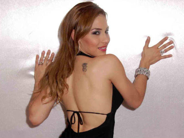 actress Zelenny Ibarra 22 years denuded photos home