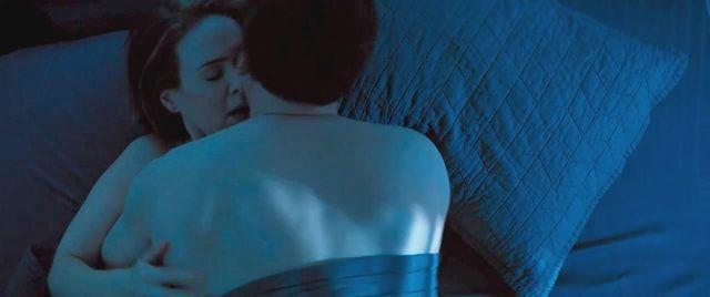 celebritie Sarah Paulson 25 years unclad foto home