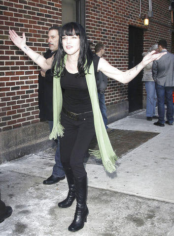 actress Pauley Perrette 2015 fleshly picture in the club
