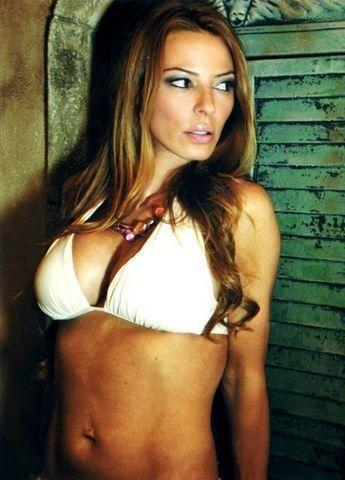 actress Drita D'Avanzo 22 years stripped pics in the club