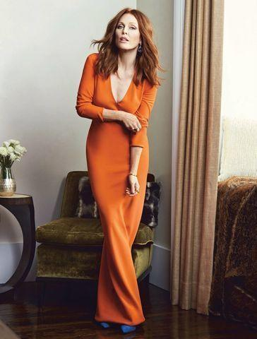 celebritie Julianne Moore 19 years sensual art home
