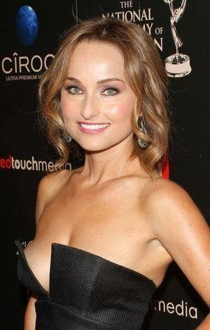celebritie Giada De Laurentiis 20 years unclad image beach
