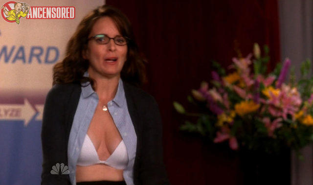 celebritie Tina Fey 24 years undress foto in the club