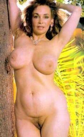 Lorali Hart topless photography