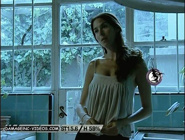 actress Laura Novoa 20 years nudity snapshot in public