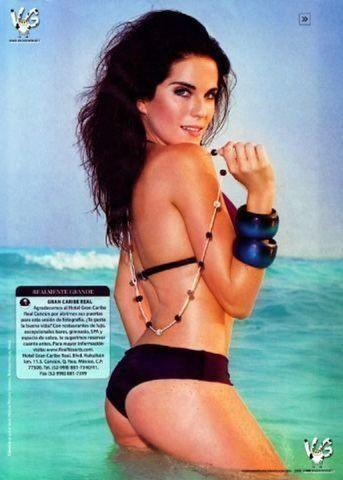 models Karla Souza 23 years nipple picture beach