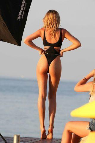 actress Abigail Clancy 18 years obscene image beach