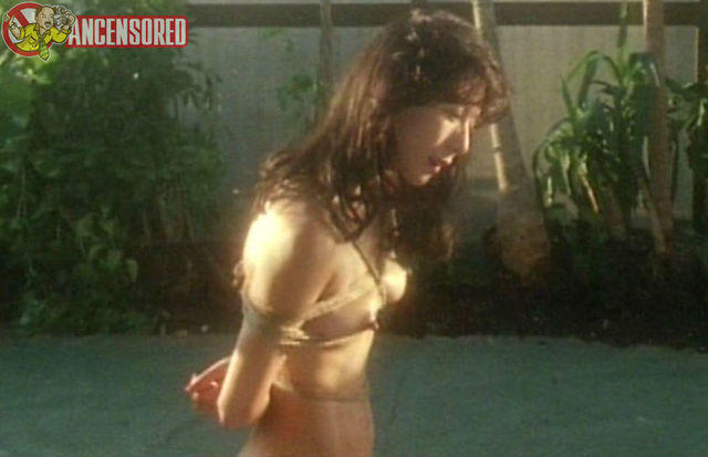 celebritie Hitomi Kobayashi 20 years bared picture in public