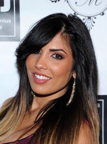 celebritie Natalie Guercio 22 years bare-skinned photoshoot in public
