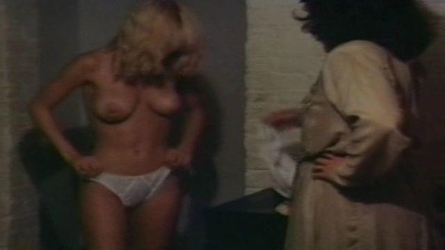actress Dorothy Stratten 22 years undressed pics in public