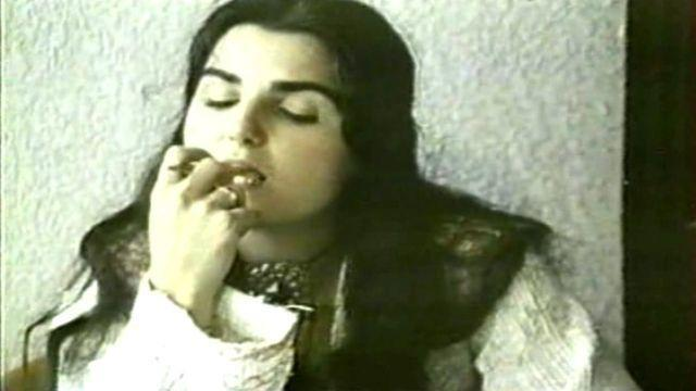 Caroline Rivière topless photography