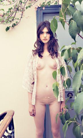 actress Manon Leloup young Without camisole foto beach