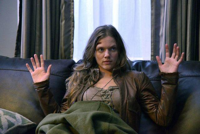 celebritie Tracy Spiridakos young fervid image in the club