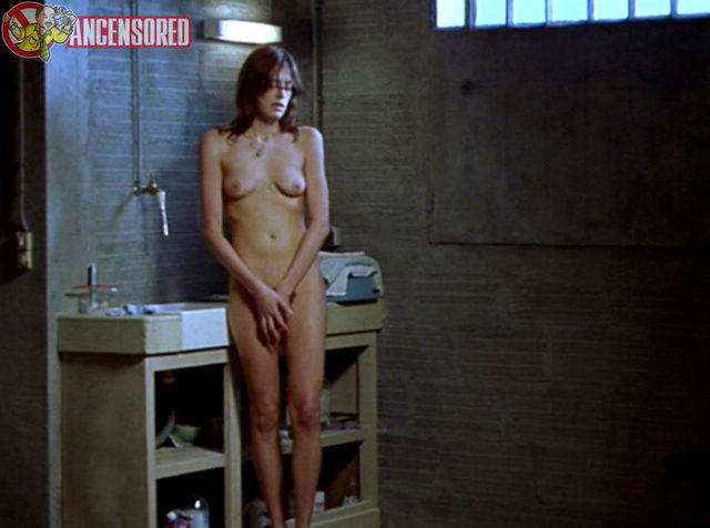 actress Clara Choveaux teen stripped snapshot home