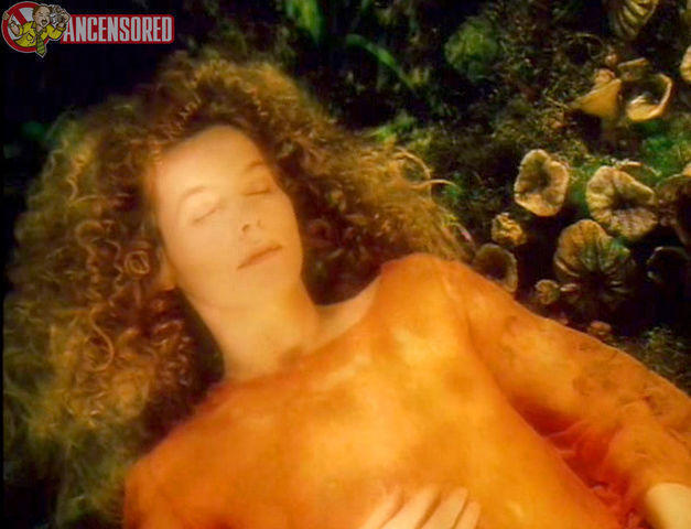 celebritie Alice Krige 23 years provocative snapshot home