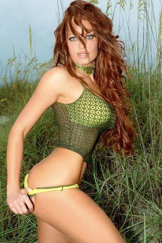 models Christy Hemme 25 years k naked photo in the club