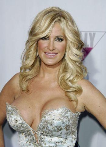 celebritie Kim Zolciak 25 years nudity foto home