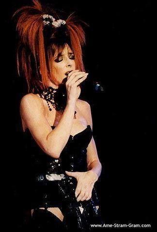 Hot photo Mylène Farmer tits