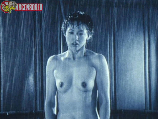 celebritie Asuka Kurosawa 20 years Without brassiere image in the club