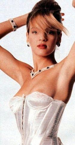 Uma Thurman topless photography