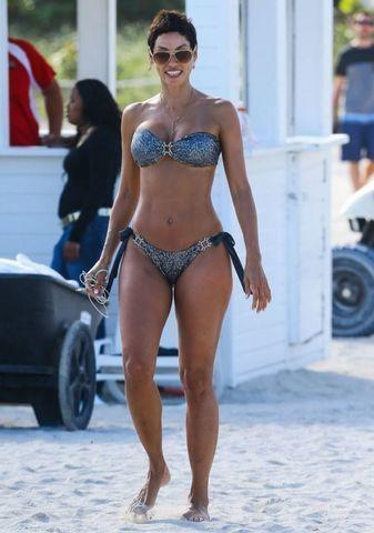 celebritie Nicole Murphy 24 years undressed photography in public