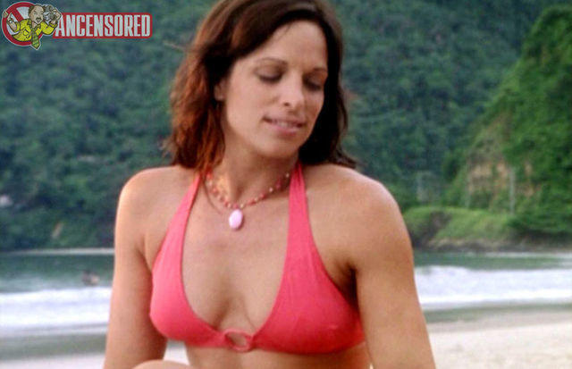 celebritie Danielle Burgio 25 years unclothed image beach