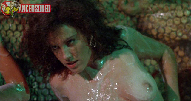 actress Amy Brentano teen indecent photoshoot home