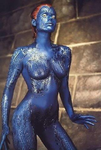 celebritie Rebecca Romijn 20 years the nude pics in the club