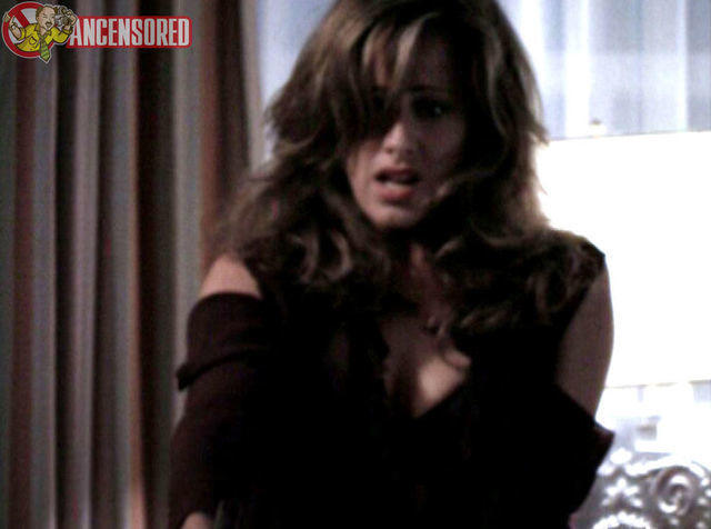 celebritie Kim Raver 22 years chest image home